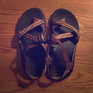 Chaco 8 Wide Cherry Blossom Sandals